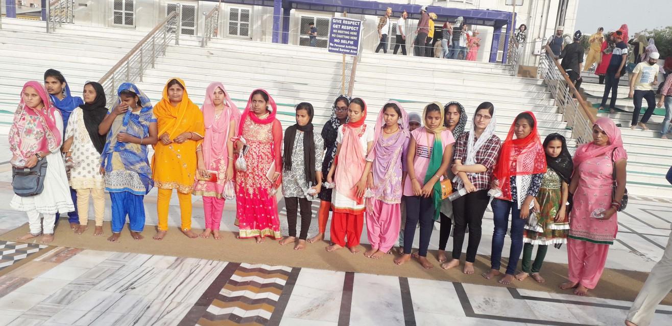 BLIND GIRLS ENJOYING THEIR TOUR BANGLA SAHIB GURUDWARA